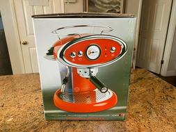 """NEW """"WHITE"""" Beautiful Classic Illy's Francis Francis X6 trio"""